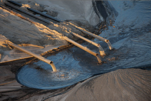 tar_sands_tailings_pond_pipes